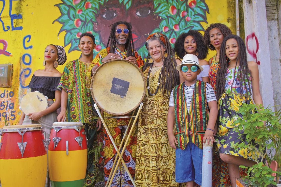 Centro Cultural Coco de Umbigada recebe doação de EPIs